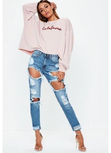 Jeans cu rupturi